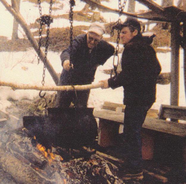 Alec-And-Ernest-MacRae-Boiling-1975